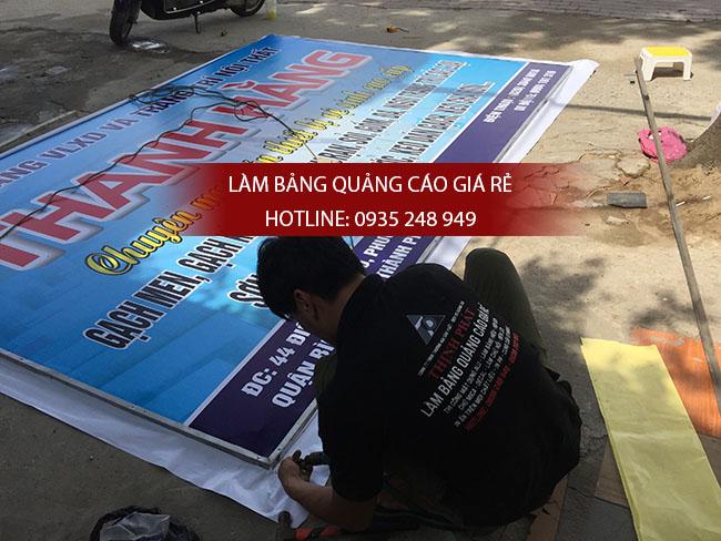 lam bang hieu in bat hiflex 2 - Làm bảng hiệu quảng cáo giá rẻ chuyên nghiệp tại TPHCM