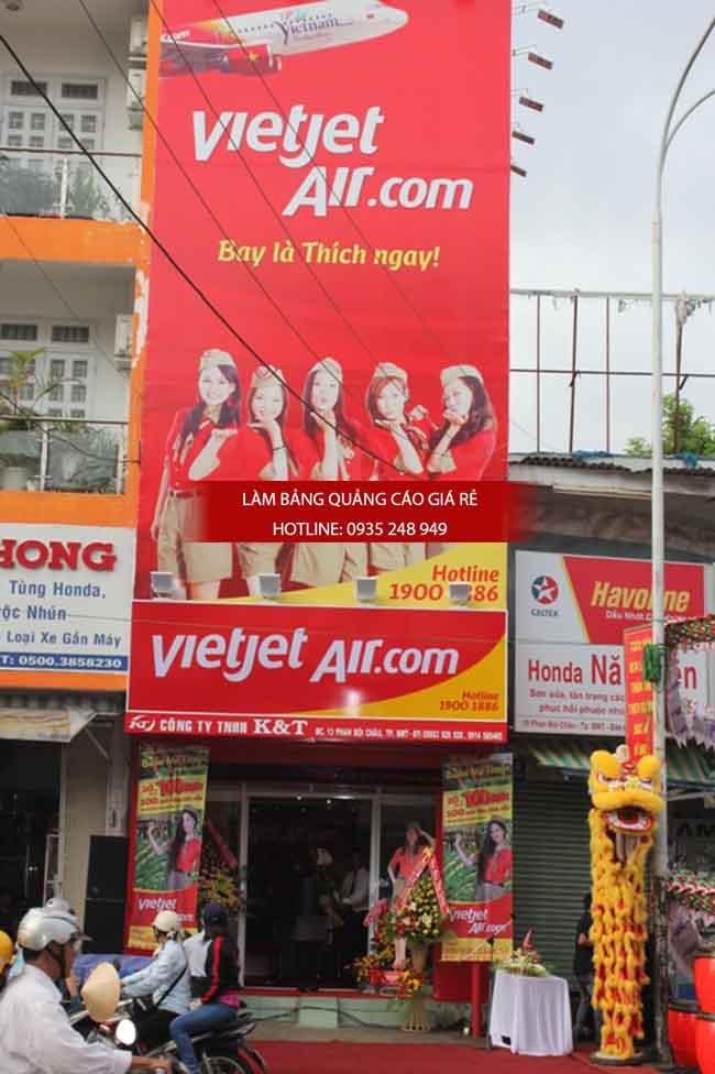 lam bang hieu phong ve may bay - Làm bảng hiệu quảng cáo giá rẻ tại TP HCM