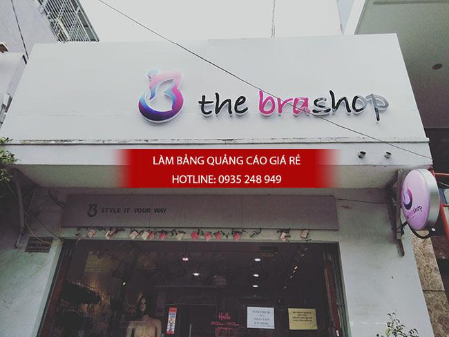 Một bảng hiệu quảng cáo đẹp dành cho shop áo quần tại quận 1 Thành phố Hồ Chí Minh
