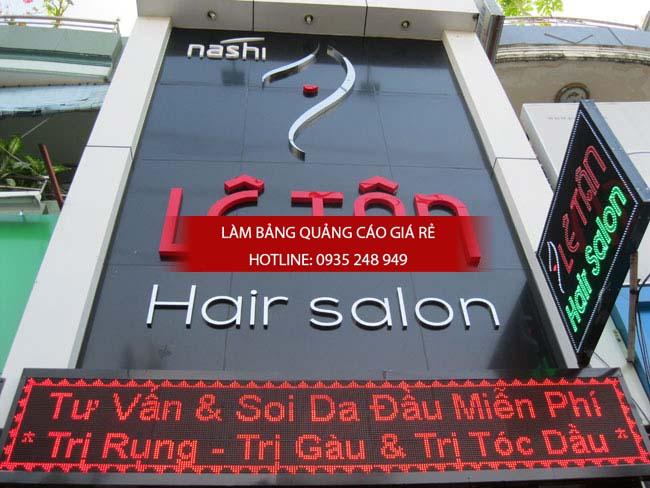 lam bang hieu tiem toc 1 - Làm bảng hiệu salon tóc đẹp tại quận 10