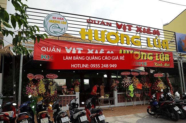 mau bang hieu nha hang dep 12 1 - Các mẫu biển hiệu đẹp cho nhà hàng