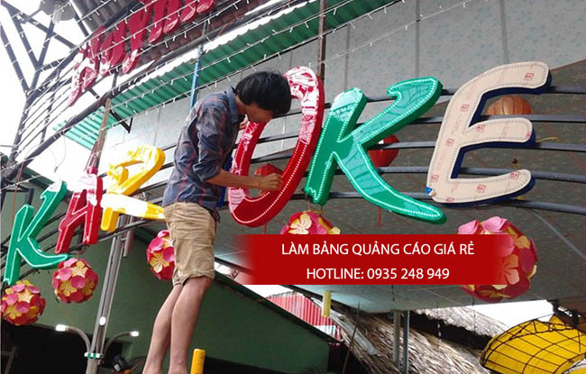 thi cong bang hieu alu 3 - Thi công làm bảng hiệu quảng cáo quận tân phú