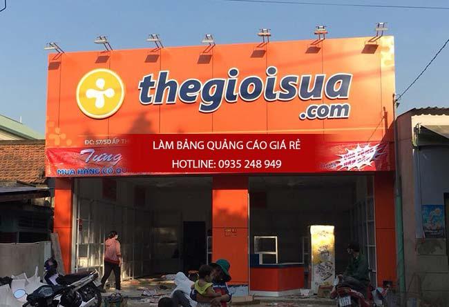 thi cong bang hieu alu 4 - Làm bảng hiệu quảng cáo đường Tân Hòa Đông quận Bình Tân