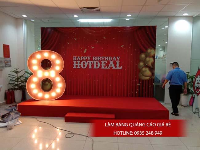 thi cong backdrop 11 - Làm bảng hiệu quảng cáo đường Tân Hòa Đông quận Bình Tân