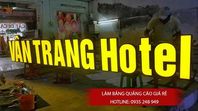 thi cong lam bang hieu quang cao 132 - Làm bảng hiệu quảng cáo đường số 7 Bình Tân