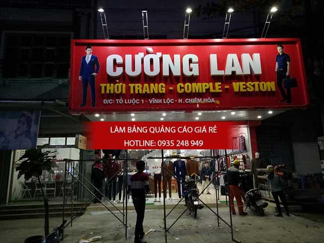 thi cong lam bang hieu quang cao 143 - Làm bảng hiệu quảng cáo đường số 7 Bình Tân