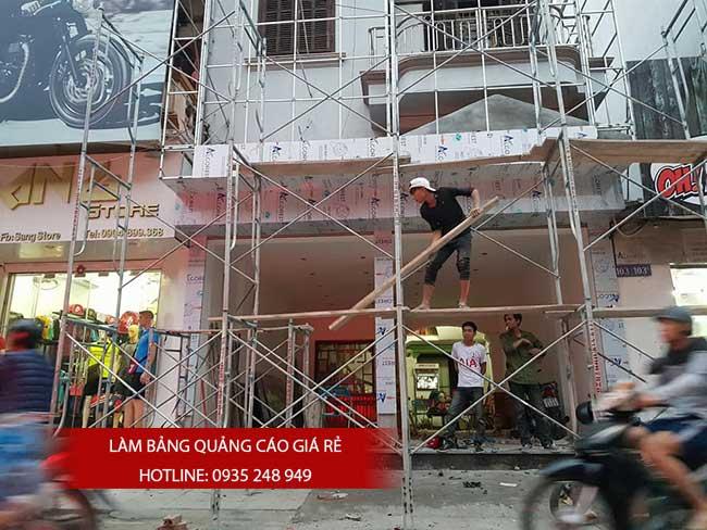 thi cong lam bang hieu quang cao 157 - Làm bảng hiệu quảng cáo đường số 7 Bình Tân