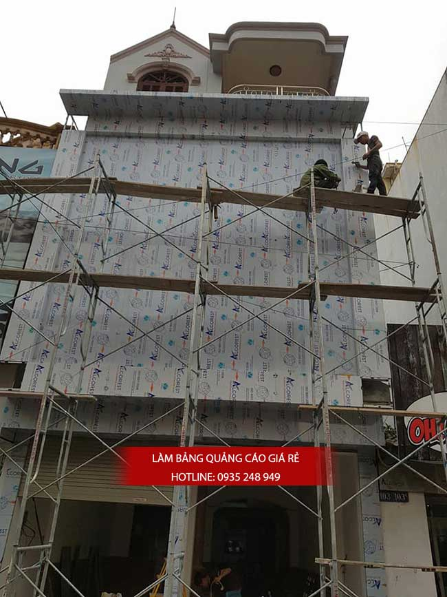 thi cong lam bang hieu quang cao 162 - Làm bảng hiệu quảng cáo đường số 7 Bình Tân