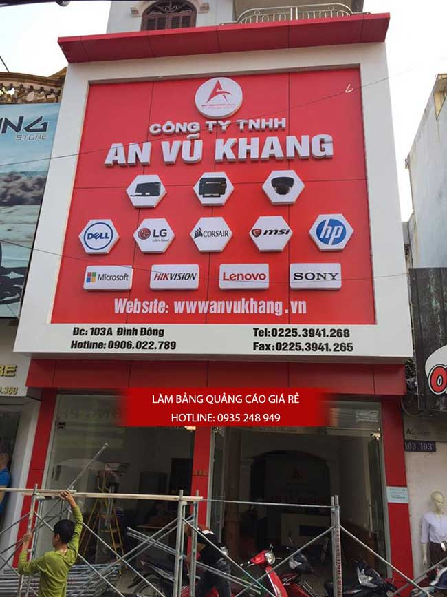 thi cong lam bang hieu quang cao 163 - Làm bảng hiệu quảng cáo đường số 7 Bình Tân