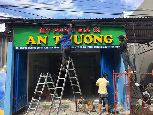 thi cong lam bang hieu quang cao 171 1 - Làm bảng hiệu quảng cáo giá rẻ tại quận tân phú