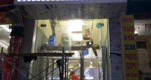 thi cong lam bang hieu quang cao 331 310x165 - Làm bảng hiệu quảng cáo giá rẻ tại quận tân phú