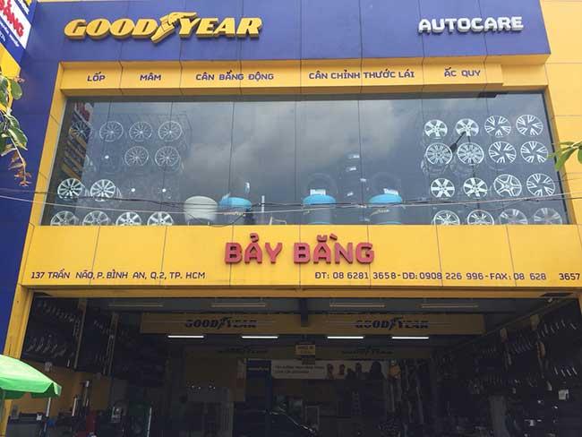 thi cong lam bang hieu quang cao 444 - Làm bảng hiệu quảng cáo đường số 7 Bình Tân