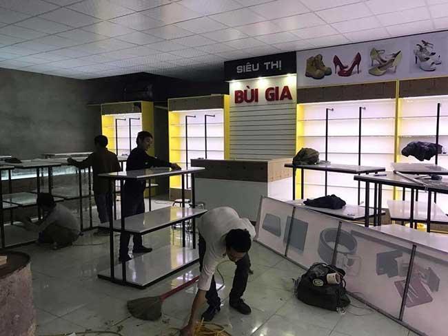 thi cong lam bang hieu quang cao 470 - Làm bảng hiệu quảng cáo giá rẻ tại quận tân phú