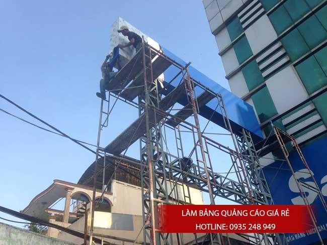 thi cong lam bang hieu quang cao 109 - Làm bảng hiệu quảng cáo giá rẻ tại quận 12