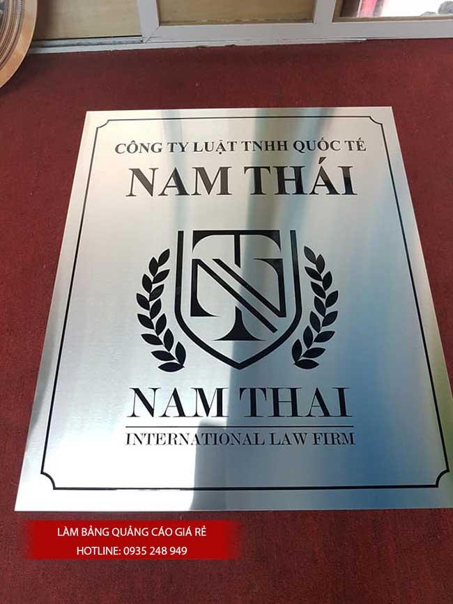 thi cong lam bang hieu quang cao 139 - Làm bảng hiệu công ty đẹp uy tín tại tp hcm