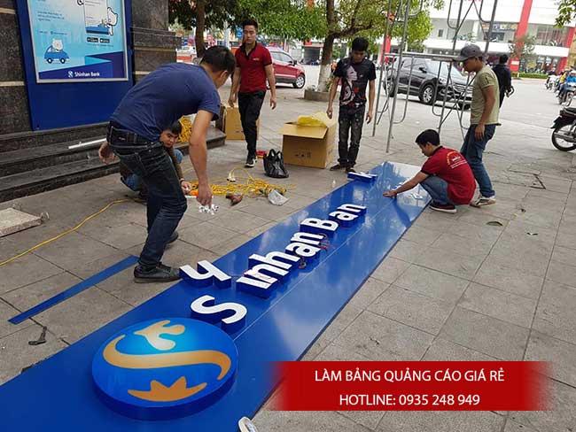 thi cong lam bang hieu quang cao 142 - Làm bảng hiệu quảng cáo giá rẻ tại quận 1