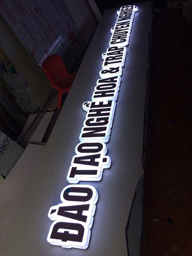thi cong lam bang hieu quang cao 198 - Làm bảng quảng cáo tại đường An Dương Vương, quận Bình Tân