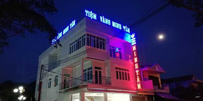 thi cong lam bang hieu quang cao 220 - Làm bảng hiệu chữ nổi mica quận Tân Phú