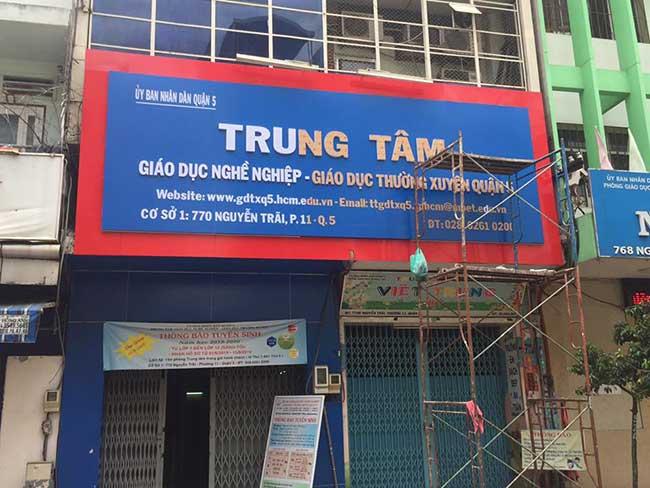 thi cong lam bang hieu quang cao 296 - Làm bảng hiệu quảng cáo đường Nguyễn Sơn quận Tân Phú