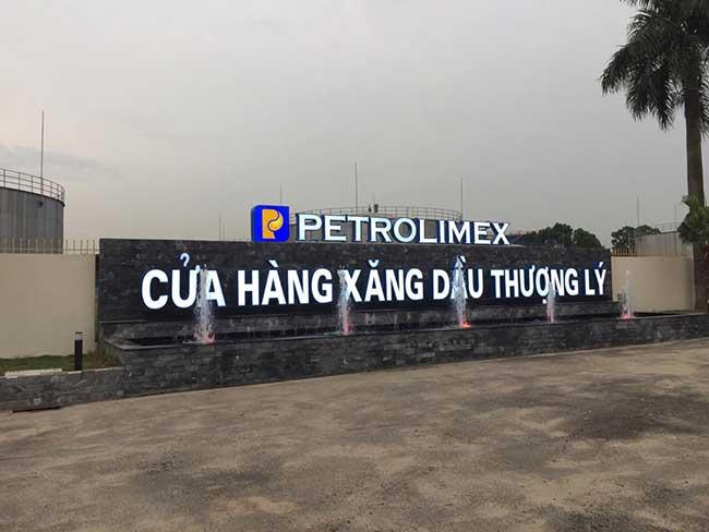 thi cong lam bang hieu quang cao 304 - Làm bảng hiệu quảng cáo đường Nguyễn Sơn quận Tân Phú