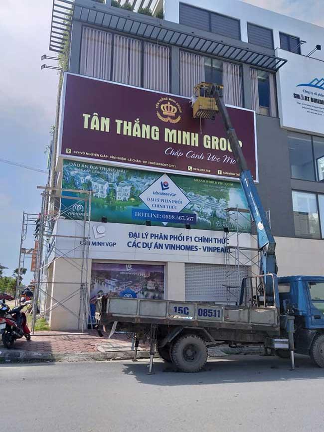 thi cong lam bang hieu quang cao 309 - Làm bảng hiệu quảng cáo đường Nguyễn Sơn quận Tân Phú
