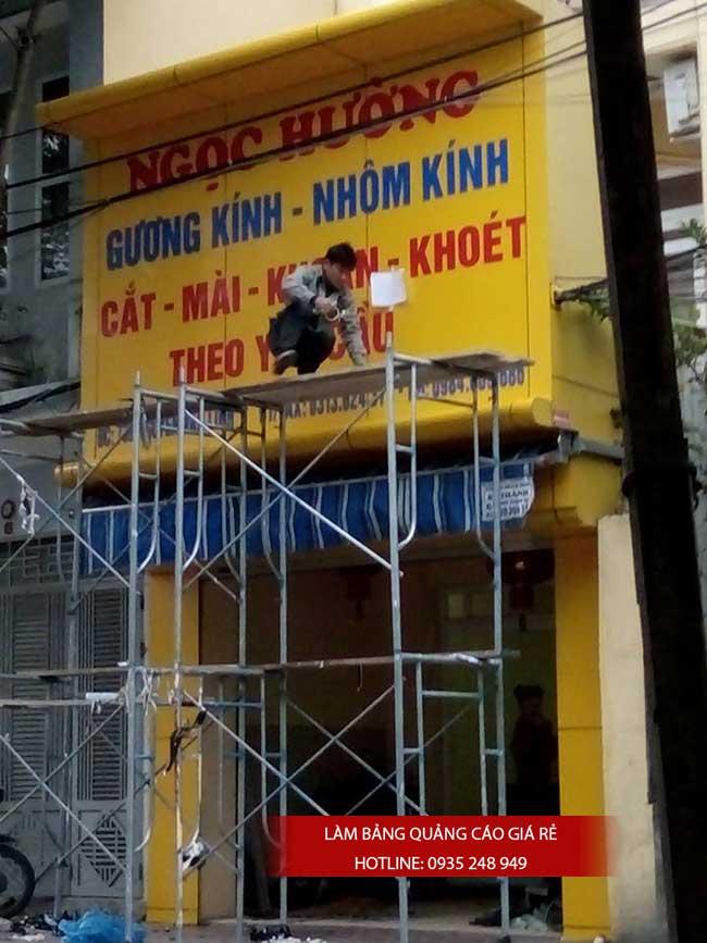 thi cong lam bang hieu quang cao 82 1 - Làm bảng hiệu quảng cáo đường Nguyễn Sơn quận Tân Phú