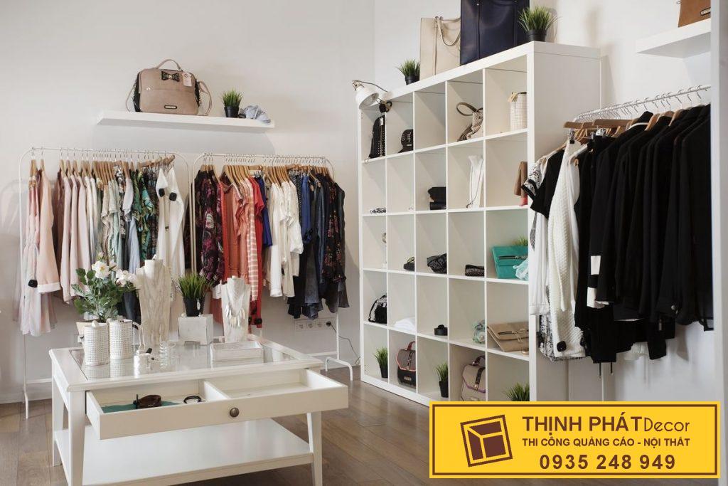 kệ trưng bày shop áo quần quận 3
