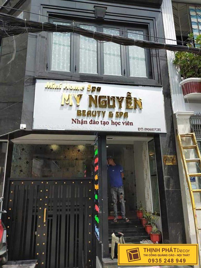 Mẫu bảng hiệu đẹp giá rẻ chữ nôi inox vàng